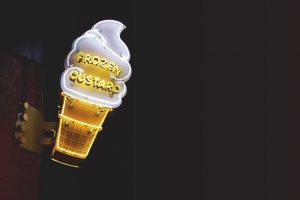 светещи рекламни табели